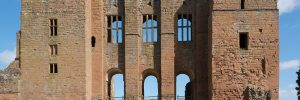 Kenilworth_Castle_keep_from_the_south_2016